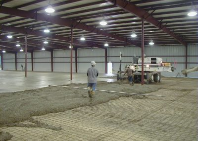 1 Large Screed